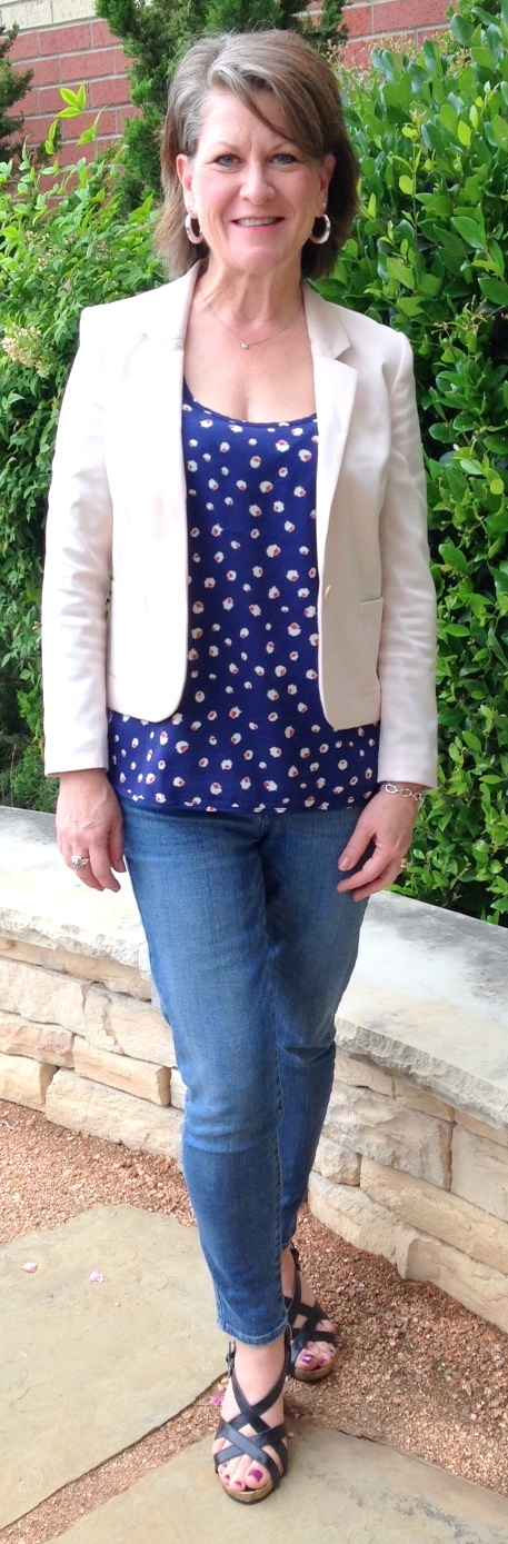 casual spring dresses for women over 50 | Style Savvy DFW