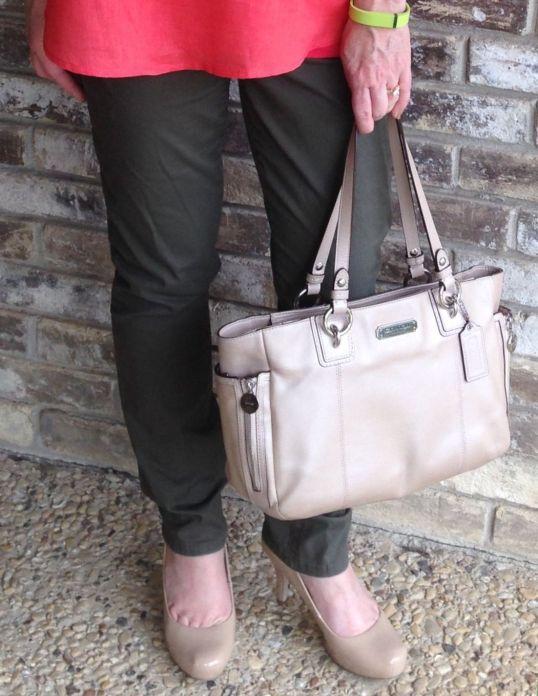 4.4.15 Handbag